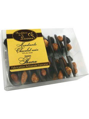 Mendiants Ciocolata neagra decorata cu fructe uscate